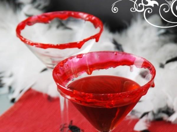 Удиви гостей кроваво-красным напитком на Хэллоуин