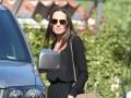 Джоли впервые попала в объектив папарацци после развода