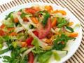 Салат из помидоров и сладкого перца