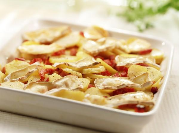 Рецепт                  Запеченный картофель с луком и грудинкой