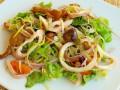 Салат из кальмаров с опятами