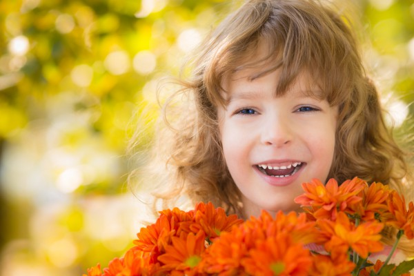 Поздравь учителя с праздником красивыми стихами и цветами
