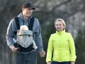 Кличко и Панеттьери вышли на прогулку с дочкой