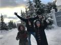 Беременная Ксения Собчак отдохнула на природе с мужем и его детьми
