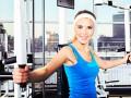 Тренировка на верхнюю часть тела и мышцы пресса в спортзале (ВИДЕО)