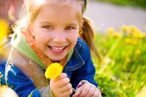 Ребенок во время кризиса трех лет старается противоречить взрослым