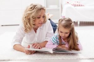 Подчеркни в каком-то тексте одну букву, а потом, при чтении, пусть ребенок подсчитает, сколько букв он пропустил