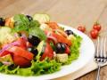 Летние салаты из овощей: три вкусные идеи