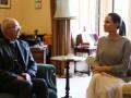 Анджелина Джоли пришла без нижнего белья на встречу с архиепископом