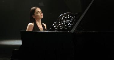 Украинская певица презентовала трогательный клип о маме