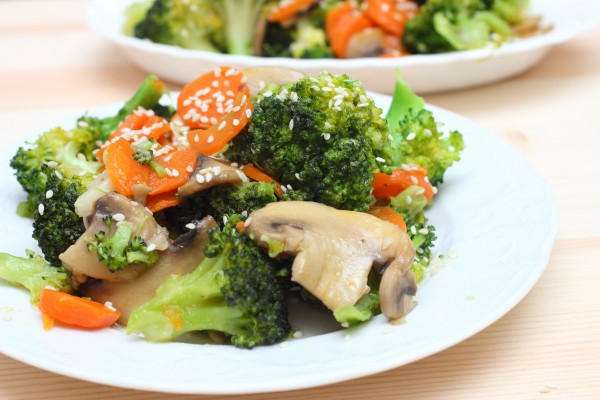 Рецепт                  Постное рагу из брокколи и грибов
