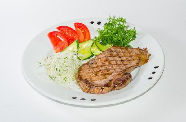 Рецепт                  Стейки с овощным пюре