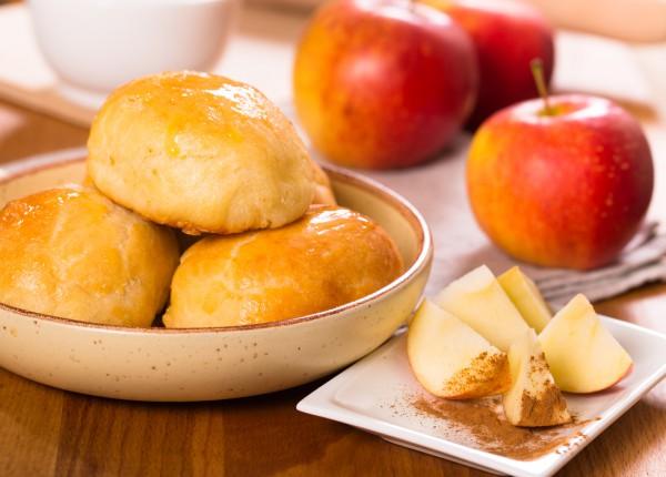 Рецепт                  Дрожжевые пирожки с яблоками и корицей