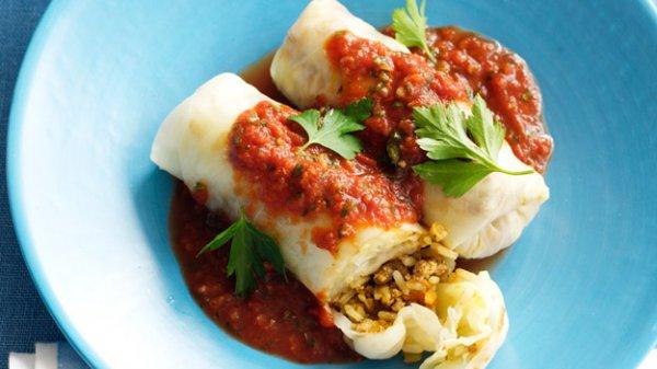 Рецепт                  Голубцы со свининой и томатным соусом