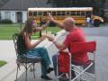 Ура, свобода: фото о том, как родители радуются началу учебного года
