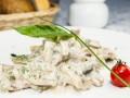 Как приготовить свинину в сливочно-грибном соусе (видео)
