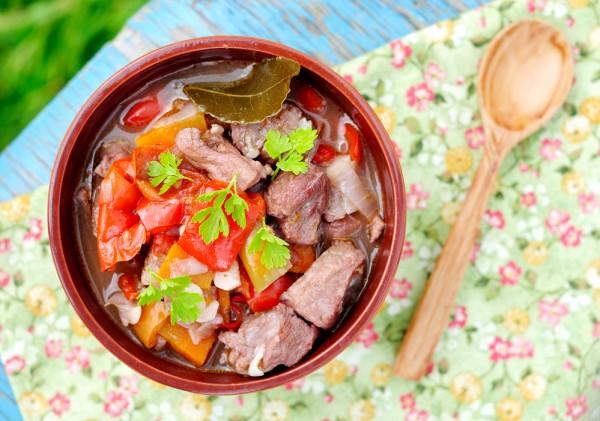 Рецепт                  Тушеная свинина с болгарским перцем