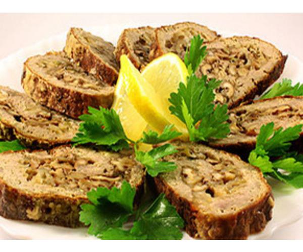 Рецепт                  Мясной рулет с орехами и сыром