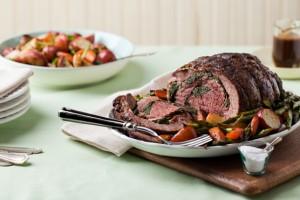 Пасхальный стол славится обилием мясных блюд
