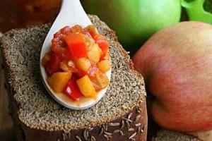 Икра из баклажанов с яблоками и помидорами