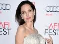 Анджелина Джоли вместе с детьми переезжают в Лондон – СМИ