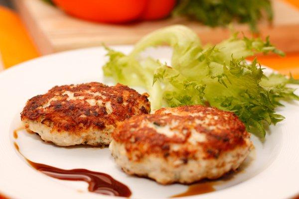 Рецепт                  Куриные котлеты с сыром