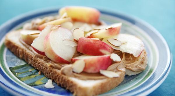 Рецепт                  Бутерброды с арахисовым маслом и персиками
