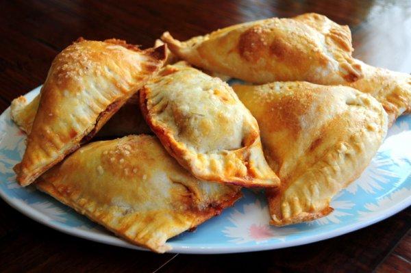Самая популярная начинка для эмпанадас - мясная с добавлением изюма