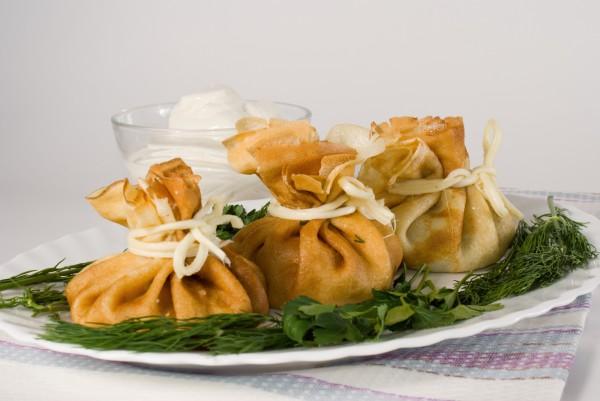 Рецепт                  Блинные мешочки с курицей и сыром