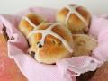 Пасха 2012: Готовим горячие крестовые булочки