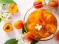 Пряный компот из абрикосов