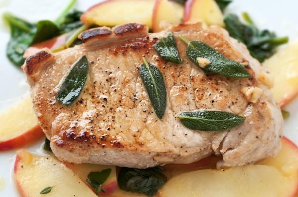 Рецепт                  Свиные стейки с яблоками и горчицей