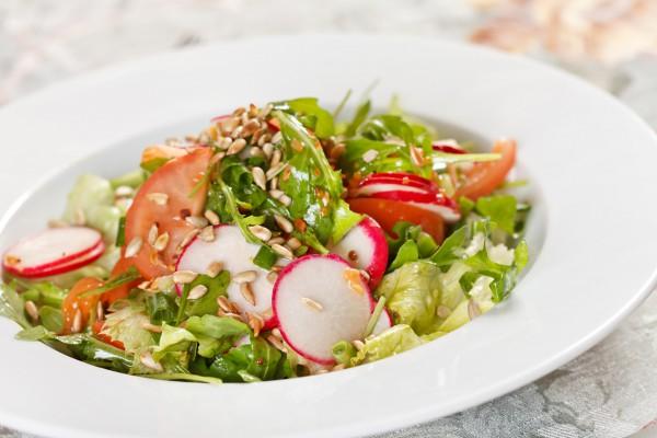 Рецепт                  Салат из редиса с помидорами