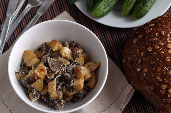 Рецепт                  Опята с картофелем в сметане