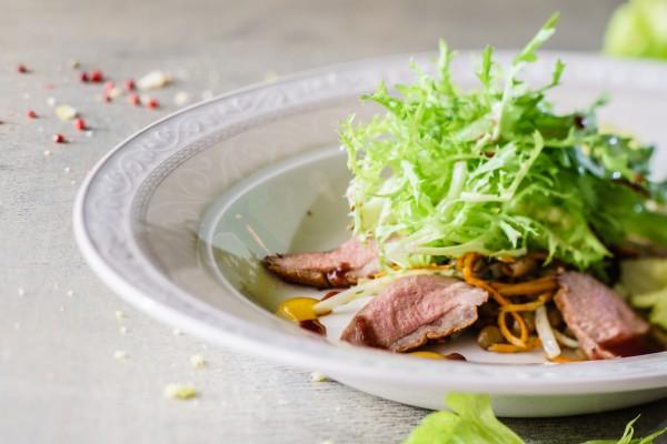 салат с каперсами и корнишонами рецепт
