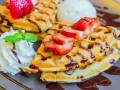 Блины с фруктами: три рецепта для завтрака