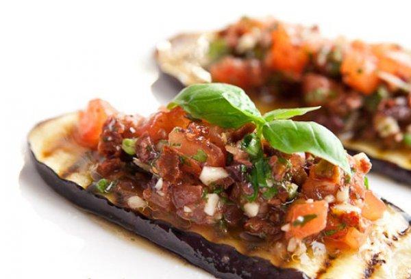Рецепт                  Баклажаны на гриле с сальсой из помидоров