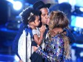 Всемирный день поцелуя: звездные поцелуи