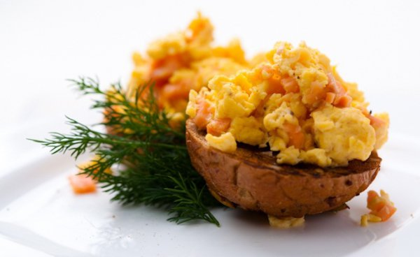 Рецепт                  Яйца-скрэмбл с семгой