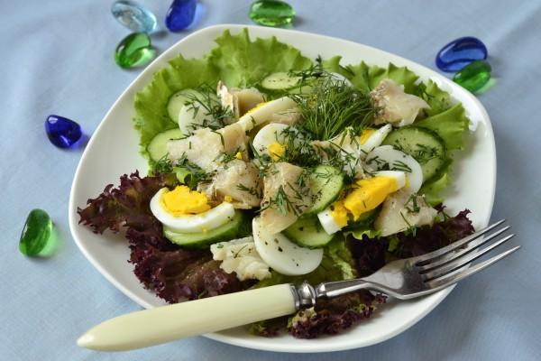 Рецепт                  Рыбный салат с огурцами