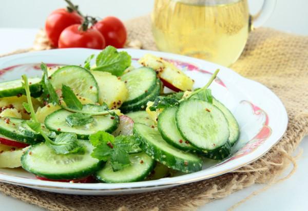 Рецепт                  Салат из огурцов, редиса и молодого картофеля