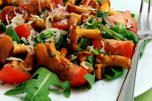 Рецепт                  Грибной салат с помидорами