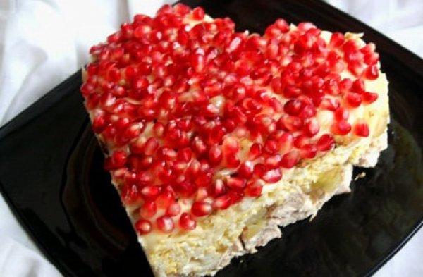 Рецепт                  Меню на День святого Валентина: ТОП-4 рецепта салатов в форме сердца