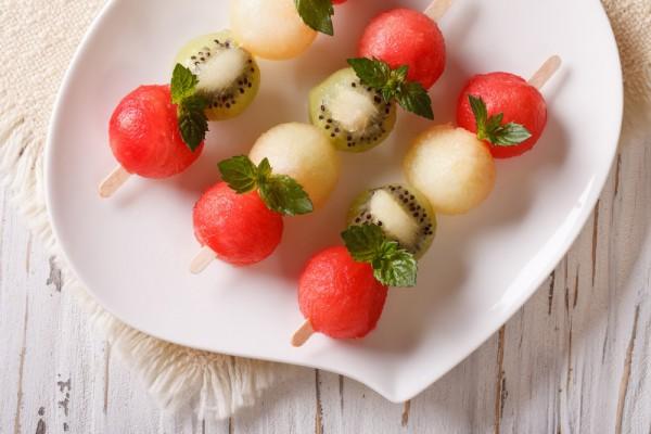 Рецепт                  Летний десерт из дыни, арбуза и киви