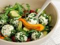 Салат из кабачков и сладкого перца с брынзой
