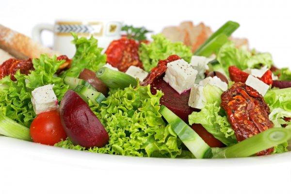 Рецепт                  Легкий разгрузочный салат от Юлии Высоцкой