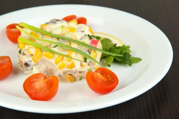 Рецепт                  Салат из крабовых палочек и грибов