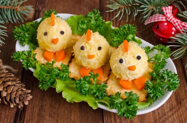 Сырная закуска в виде цыплят