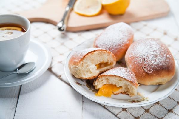 Рецепт                  Дрожжевые булочки с персиками