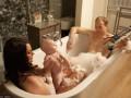 Фейковая Кейт Миддлтон нянчит ребенка, а принц Уильям кормит грудью (ФОТО)
